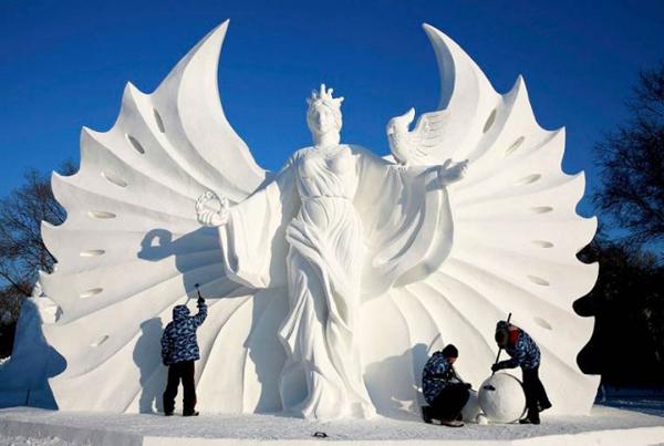 Harbin-Ice-Festival-2015_2-640x430