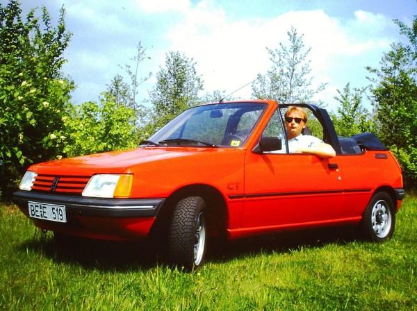 1024px-Peugeot_205_CT_Convertible._Model_1986._Spielvogel_Archiv