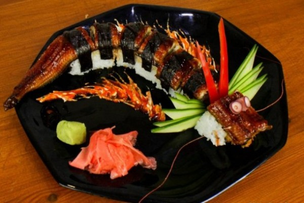 www.foodlve.com-how-to-cook-a-amazing-dragon-sushi-roll-62941436294143