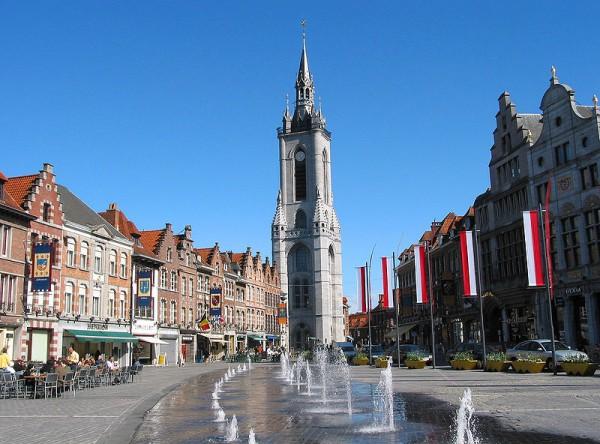 800px-0_Beffroi_de_Tournai_27451653