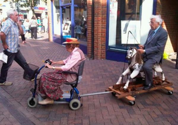 old-couples-having-fun-24__605