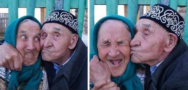 old-couples-having-fun-33__605