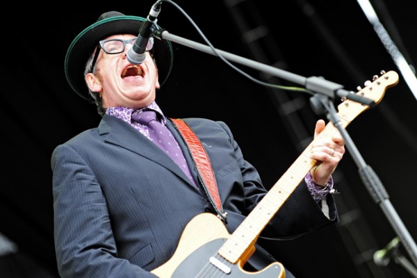 Elvis_Costello_and_The_Imposters_@_Fremantle_Park_(17_4_2011)_(5648205651)