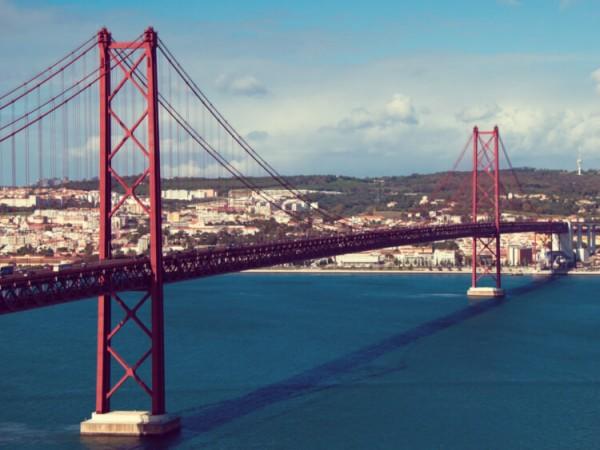 Lisbon_Bridge-Matt-Perich-from-Lausanne-Switzerland