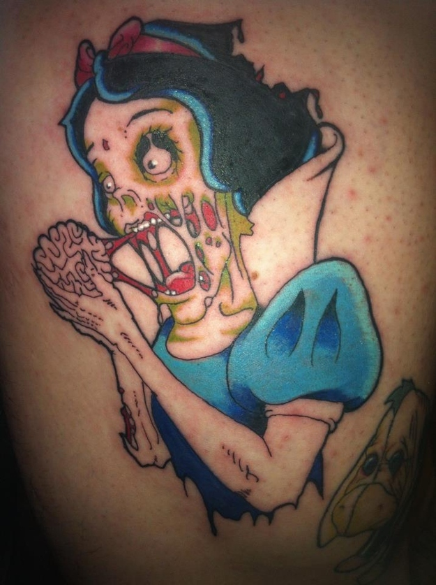blanche-neige-zombie-tatouage