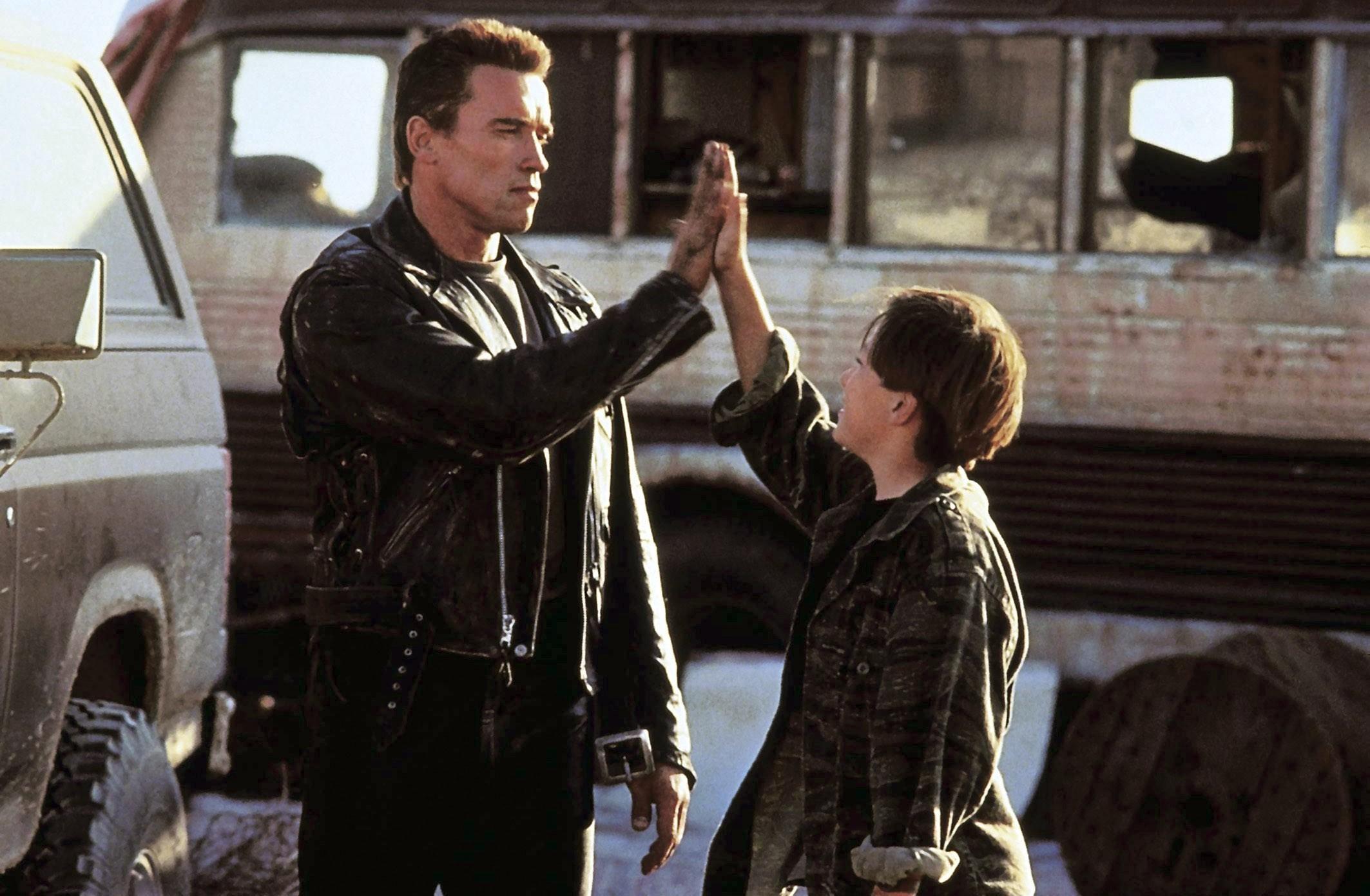TERMINATOR 2: JUDGMENT DAY, Arnold Schwarzenegger, Edward Furlong, 1991, ©TriStar Pictures/courtesy Everett Collection