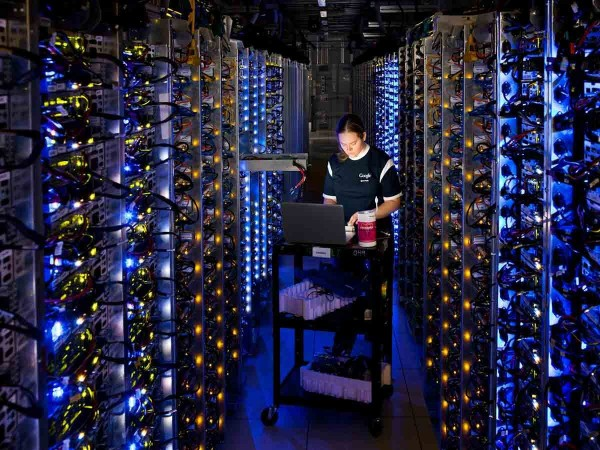 googles-search-index-is-more-than-100-million-gigabytes-in-size-it-would-take-100000-one-terabyte-personal-drives-to-contain-the-same-amount-of-data
