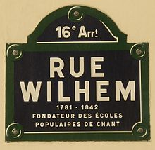 220px-Rue_Wilhem,_recadré